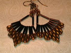 Free Flabellum Earrings Beading Tutorial featured in Bead-Patterns.com Newsletter!