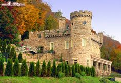 Berkeley Castle, Bath, West Virginia (Usa) - Con ...