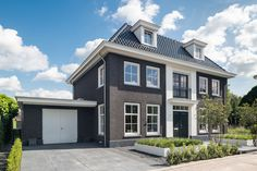 My Dream Home, Townhouse, Beautiful Homes, Building A House, House Plans, Kerb Appeal, Villa, New Homes, House Design