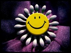 Vintage Smiley Face Flower Pin~