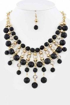 Collar Blanco Negro con Cadenas y Cristales