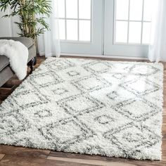$185 | nuLOOM Alexa My Soft and Plush Moroccan Trellis White/ Grey Easy Shag Rug (8' x 10') | Overstock.com Shopping - The Best Deals on 7x9 - 10x14 Rugs