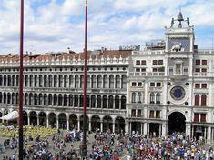 Vista de la Plaza de San Marcos (Piazza San Marco), centro de la vida social veneciana y acogedor espacio del turismo cosmopolita - Portal Fuenterrebollo