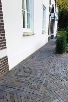 backyard designs – Gardening Ideas, Tips & Techniques Brick Paving, Paving Stones, Garden Paving, Garden Paths, Garden Cottage, Home And Garden, Paved Patio, Outside Living, Medan