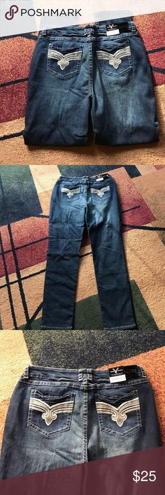 """Vault  Project jeans plus sz 22 24 NWT skinny New with tag. 34"""" inseam. 98% cotton 2% spandex. Please check my other listings. Thank you for looking and have a great day! Ariya Jeans Skinny"""