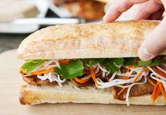 Công thức làm món Bánh mì kẹp thịt ăn sáng - http://congthucmonngon.com/6067/cong-thuc-lam-mon-banh-mi-kep-thit-an-sang.html