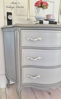 Mimi's Vintage Charm...: French Linen Dresser on dresser shell; French Linen mixed with Old White on drawer fronts.