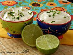 O sour cream, ou creme azedo é uma receita muito presente na cozinha mexicana pois vai super com comida bem condimentada e picante, isso porque tem um teor