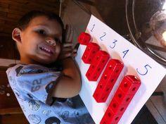 Aprendiendo números y cantidades con legos trío niños 4 años #montessorylearning #educationalgames