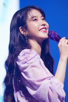 glow of a firefly She Song, Korean Actresses, Korean Singer, Korean Girl Groups, Kpop Girls, Hair Inspiration, Cool Girl, Asian Girl, Hair Cuts