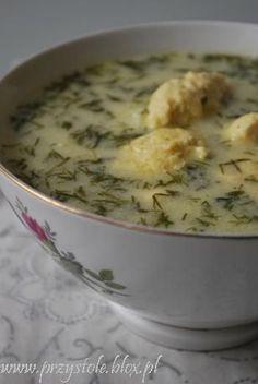 Zupa koperkowa z drobiowymi kluseczkami kładzionymi