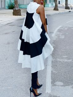 Shop Striped Sleeveless Dip Hem Irregular Blouse right now, get great deals at joyshoetique Lace Dress Styles, Blouse Styles, African Attire, African Dress, Estilo Retro, African Print Fashion, Fashion Sewing, Chic Outfits, Dress Patterns