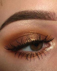 Bronze eye shadow
