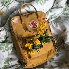 aesthetic is everywhere Kanken Backpack Mini, Backpack Bags, Mochila Kanken, Trendy Backpacks, Swedish Brands, Trending Today, School Bags, Army Green, Yellow