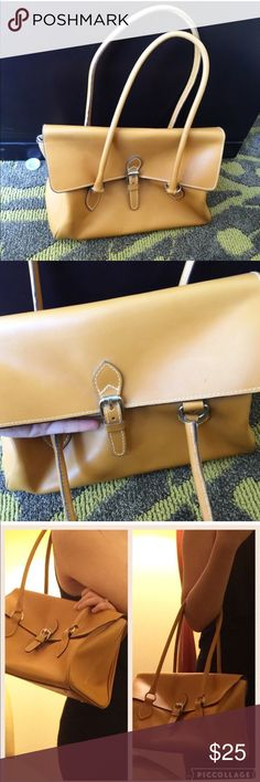 Ted Benson handbag Medium sized Light Brown leather purse. The bag is clean with all perfect stitches. There is small scratch on the back ( please see the pictures) other than that, this classic bag os worth every penny of your purchase. Ted benson Bags Shoulder Bags