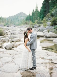 Sophisticated Mountain Wedding Inspiration by Sofia Ferreira of Branco Prata (Floral Design, Styling and Invitations) + André Teixeira of Branco Prata (Photography) - via ruffled Wedding Poses, Wedding Couples, Wedding Portraits, Wedding Ideas, Romantic Wedding Inspiration, Wedding Photography Inspiration, Outdoor Portrait, Foto Art, When I Get Married