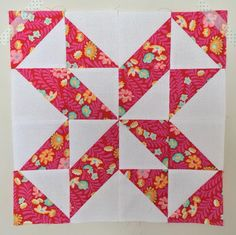 Quilt blocks, Triangle quilts and Half square triangles on . Star Quilt Blocks, Star Quilts, Quilt Block Patterns, Mini Quilts, Pattern Blocks, Half Square Triangle Quilts Pattern, Square Quilt, Half Square Triangles, Quilting Projects