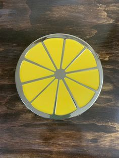 Vintage Chrome Lemon Trivet Lemon Slice Pot Holder Lemon Hot Plate Lemon Plant Stand Lemon Decor Hollywood Regency, Pineapple Door Knocker, Lemon Plant, Pots, Vintage Blanket, Door Furniture, Glass Ceramic, Flower Basket, Plant Holders