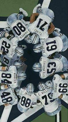 Huddle up, Cowboys! Dallas Cowboys Decor, Dallas Cowboys Wallpaper, Dallas Cowboys Players, Dallas Cowboys Pictures, Cowboys 4, Dallas Cowboys Football, Football Players, Football Things, Longhorns Football