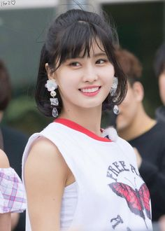 Twice - Momo Nayeon, Kpop Girl Groups, Kpop Girls, Korean Short Hair, Sana Momo, Hirai Momo, Dahyun, Celebs, Celebrities