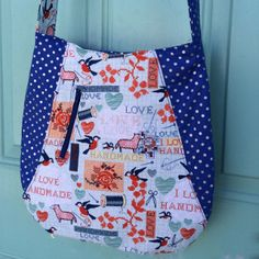 Cute Curves Free Bag Pattern Fun #FreeSewingPattern for a curved tote bag with a small zippered pocket