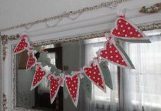 Romantic Valentine's Day Heart Garland White Polka Dots Home Decor