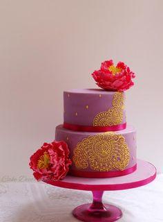 Henna Inspired Cake by Prachi DhabalDeb - http://cakesdecor.com/cakes/222002-henna-inspired-cake