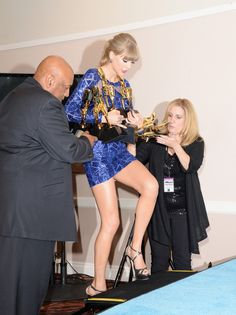 Taylor Swift - 2013 Billboard Music Awards - Press Room