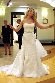 Featured Dresses, Season 2: Say Yes to the Dress: Atlanta: Okay I love the shape of this dress, plus it's lace, but I bet it's super pricey.