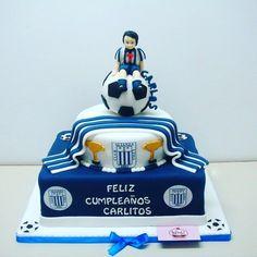 #Torta de #alianzalima que se fue hasta Huamachuco para celebrar el cumpleaños número 7 de Carlos. Mil gracias por la preferencia!! #futbol #papelarroz   Sabor: vainilla con pecanas, nueces, almendras y manjar.