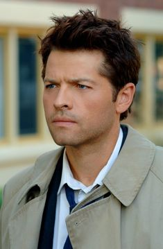Sexy haired Castiel. I liked his hair better in the earlier seasons.