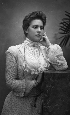 Princess Andrew of Greece and Denmark nee Princess Alice of Battenberg Spam. Mother of Prince Philip and my favourite Royal! Prince Andrew, Prince Philip Mother, Reine Victoria, Queen Victoria, Victoria Reign, Alexandra Feodorovna, Princess Elizabeth, Queen Elizabeth Ii, Alice Von Battenberg
