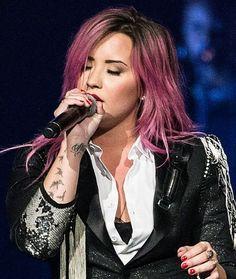 Cabelo colorido - Demi Lovato