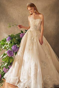 15 Ethereal Flower-Inspired Wedding Dresses For Your White Garden Wedding - Praise Wedding
