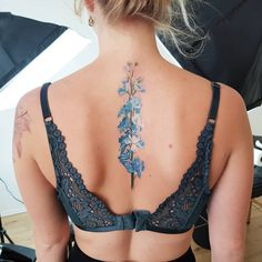 watercolor delphinium tattoo © tattoo artist Th. What is a watercolor tattoo and what are the pros and cons of watercolor tattoos? Undoubtedly this style is one of the most spectacular forms of body art. Blue Ink Tattoos, Blue Flower Tattoos, Floral Back Tattoos, New Tattoos, Body Art Tattoos, Sleeve Tattoos, Blue Orchid Tattoo, Nape Tattoo, Tattoo Ink