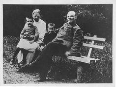 Lenin y Nadezhda Krupskaya en Gorky. 1922