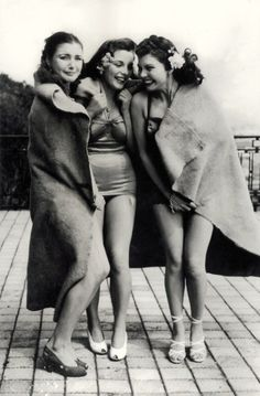 'Chilly after a Swim' ♥ 1940's. really!?!? My hair definitely doesn't look that good after a swim