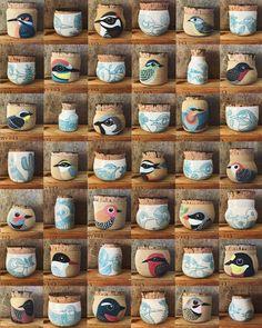 The bird jars just landed in my shop. Link to my shop in my profile 🕊 Acaban de aterrizar todos los frasquitos en mi tienda. Link a mi Etsy en mi perfil Ceramic Bowls, Ceramic Pottery, Ceramic Art, Pottery Sculpture, Bird Sculpture, Little Gardens, Inspiring Things, Painted Pots, Cute Mugs