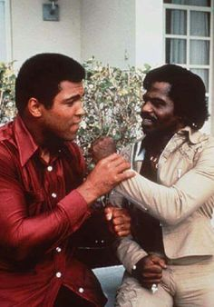 Muhammad Ali and James Brown- Two Kings together! Famous Black People, Muhammad Ali Boxing, We The Kings, Vintage Black Glamour, Black Celebrities, Celebs, Black History Facts, James Brown, Before Us