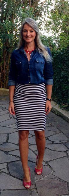 Look de trabalho - look do dia - moda corporativa - saia lápis - camisa jeans - saia listrada - work outfit