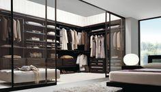 schönes schlafzimmer - stylische garderobe mit glastüren