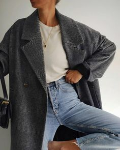 Winter Fashion Outfits, Edgy Outfits, Autumn Winter Fashion, Cute Outfits, Minimalist Winter Outfit, Minimalist Fashion, Looks Style, My Style, Church Outfits