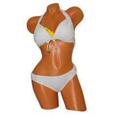 Fehér háromszög bikini csipke díszítéssel. Oldalpántos, Push up szivacsos