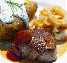 Medemblik - Vandaag op het menu een gerecht van topkop Patrik Jaros. Hij heeft een heerlijk gerecht voorgeschoteld met biefstuk en gevulde aardappeltjes.