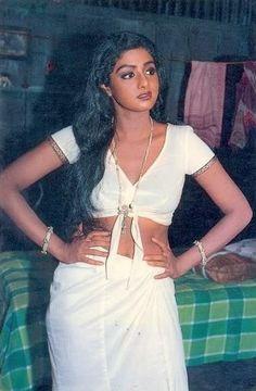 Sridevi from set of Nazarana Bollywood Bikini, Bollywood Stars, Bollywood Actress Hot Photos, Bollywood Fashion, Tamil Girls, Vintage Bollywood, Most Beautiful Indian Actress, Beauty Full Girl, Old Actress