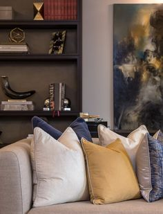 Luxury interior design of apartment in Belgravia, London. It features a curated artwork collection, bespoke soft furnishings and dressing. Interior Design Lounge, Apartment Interior Design, Living Room Decor Cozy, Living Room Storage, Living Rooms, Elegant Home Decor, Elegant Homes, Home Decor Furniture, Luxury Furniture