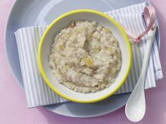 Apfel-Mandel-Brei mit Haferflocken: Die milde Mahlzeit liefert hochwertiges Eiweiß, das schön satt macht.