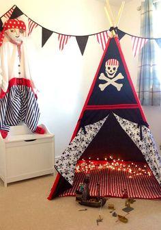 Tente de jeu de wigwam enfants Pirate Tipi avec Jolly Roger, crâne & OS Croix appliques, comprend 5 mètres de Bruant correspondant