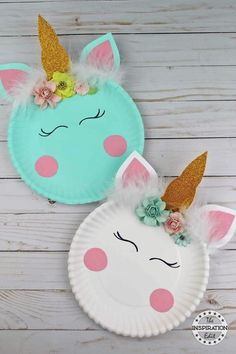 Paper Plate Crafts Easy Unicorn Craft Idea · The Inspiration Edit - Unicorn Crafts DIY - Today we have a super fun and easy paper plate craft to share. I really love paper plate crafts and - Fun Crafts For Kids, Cute Crafts, Toddler Crafts, Preschool Crafts, Projects For Kids, Art For Kids, Diy And Crafts, Craft Projects, Kids Diy