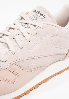 c43a822f34a17 CLASSIC LEATHER GOLDEN NEUTRALS - Baskets basses - sandtrap rose  gold chalk. ReebokClassic ...